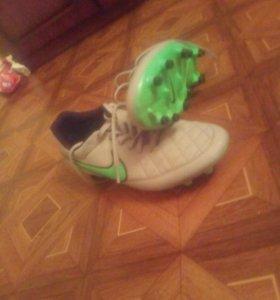 Футбольные бутсы Nike Tiempo Original