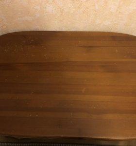 Стол из натурального дерева