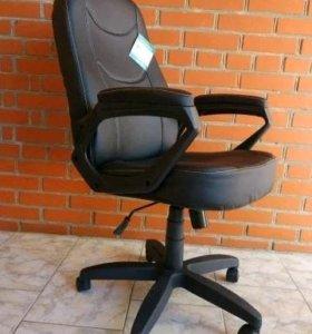 Компьютерное офисное кресло Амиго 568