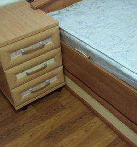 Кровать + матрас + туалетный столик