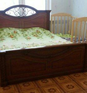 Двуспальная кровать с матрасом в продаже до 17.12.
