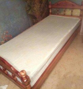 Кровать и матрас.