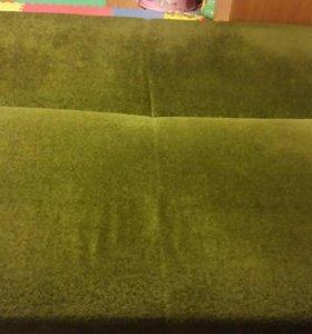 Диван и 2 подушки