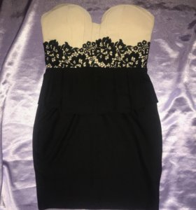 Новое эффектное платье 44