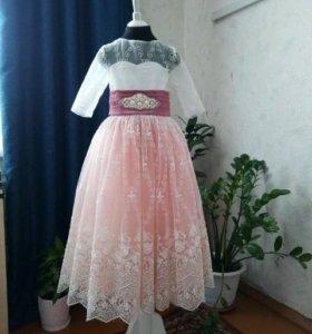 Платье для девочки 128 р.