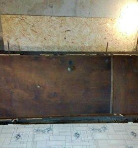 Железная дверь с декоративной отделкой
