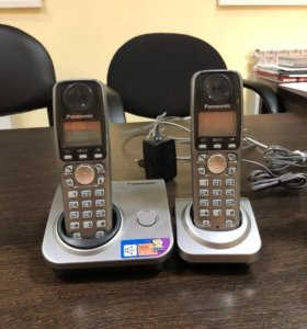 4 стационарных телефонов