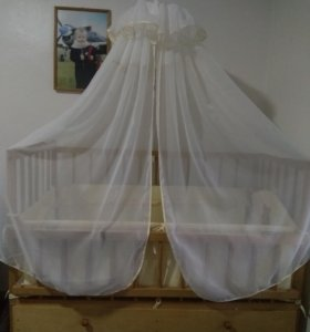 Детская деревянная кроватка