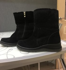 Зимние ботинки новые 40 размер.