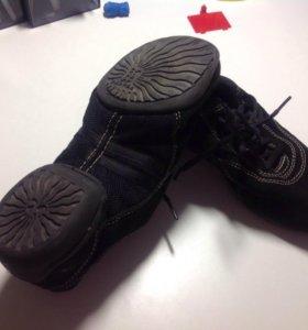 Обувь для танцев(джазовки, степовки)