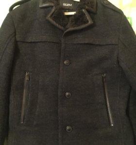 Зимнее пальто в отличном состоянии очень красивое