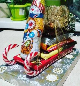 Новогодняя композиция со сладостями