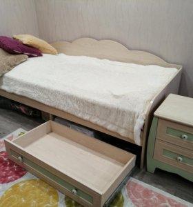 Набор мебели в детскую (кровать+тумбочка)