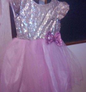 Платье с паетками,розовое.