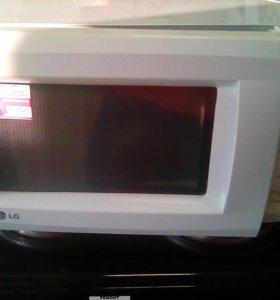 Продам микроволновую печь LG доставка