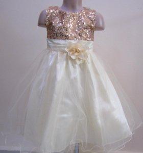 Нарядное платье с пайетками (на 4-6 лет, Новое)