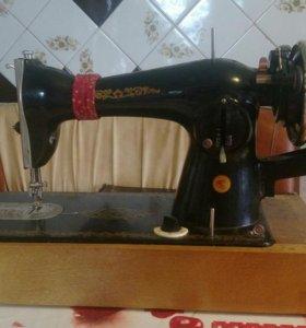 Машинка швейная Подольск.
