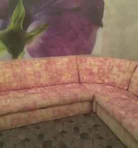 Угловой диван +кресло