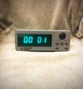Электронные настольные часы Кварц-025 Интеграл