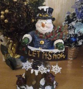 Снеговик - неваляшка на пружине