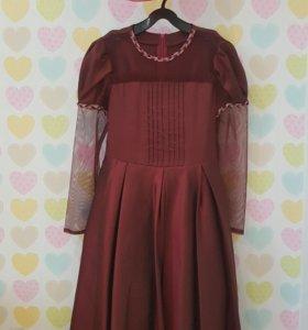 Платье р