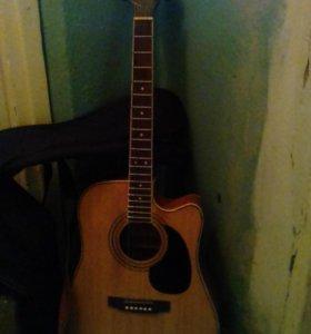 Электроакустическая гитара и комбик