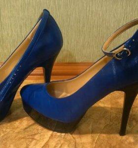 Туфли с ремешком 37 р-р