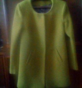 Пальто весна осень в хорошем состоянии размер 46