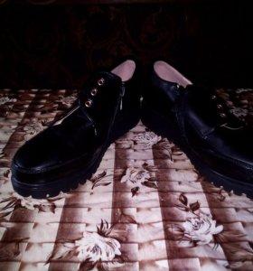 Продам,женские туфли новые ,только нет шнурков ,37