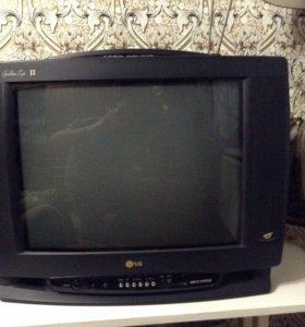 Телевизор LG с диагональю 52 см.Цветной.