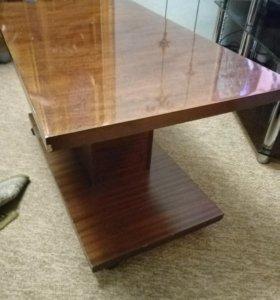 Журнальный столик