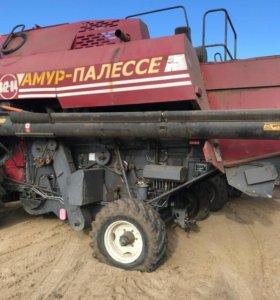 Комбайн зерноуборочный самоходный КЗС-812-04