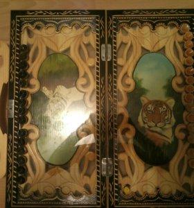 Крутой подарок Нарды книжка, резные под стеклом.