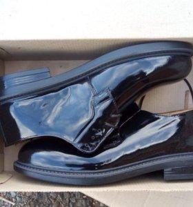 Военные туфли лакированные