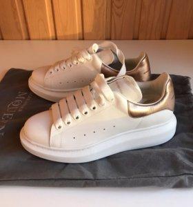 Новые оригинальные кроссовки Alexander McQueen 39