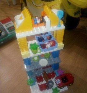 """Лего дупло Семейный дом"""" Новый."""