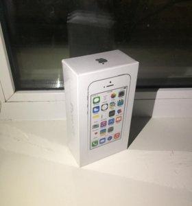 iPhone 5s Silver с годовой гарантией