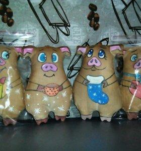 Новогодний сувенир кофейные свинки