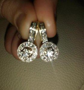 Золотые серьги, кольца, комплекты с бриллиантами