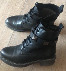Ботинки новые 39-40 размер