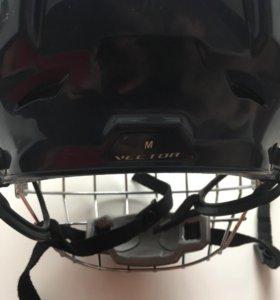 Продам хоккейный шлем,размер M,фирма Ccm