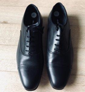 Мужские швейцарские туфли Strellson