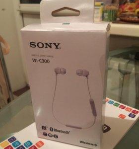 Беспроводные наушники Sony WI-C300
