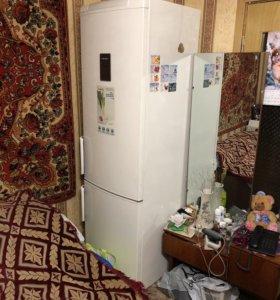 Холодильник Electrolux ENA 38933 W