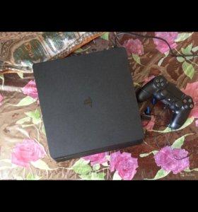 Продаю PlayStation 4 и монитор