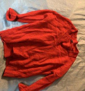 Тёплые свитеры Zara , Bershka