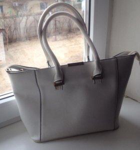 Модная сумка из коллекции Виктории Бэкхам