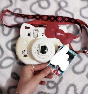 Фотоаппарат полароид Fujifilm instax hello kitty