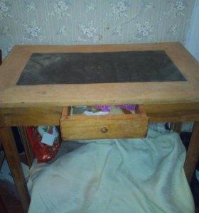 Стол старинный (письменный)