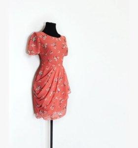 Фирменное платье с этикеткой